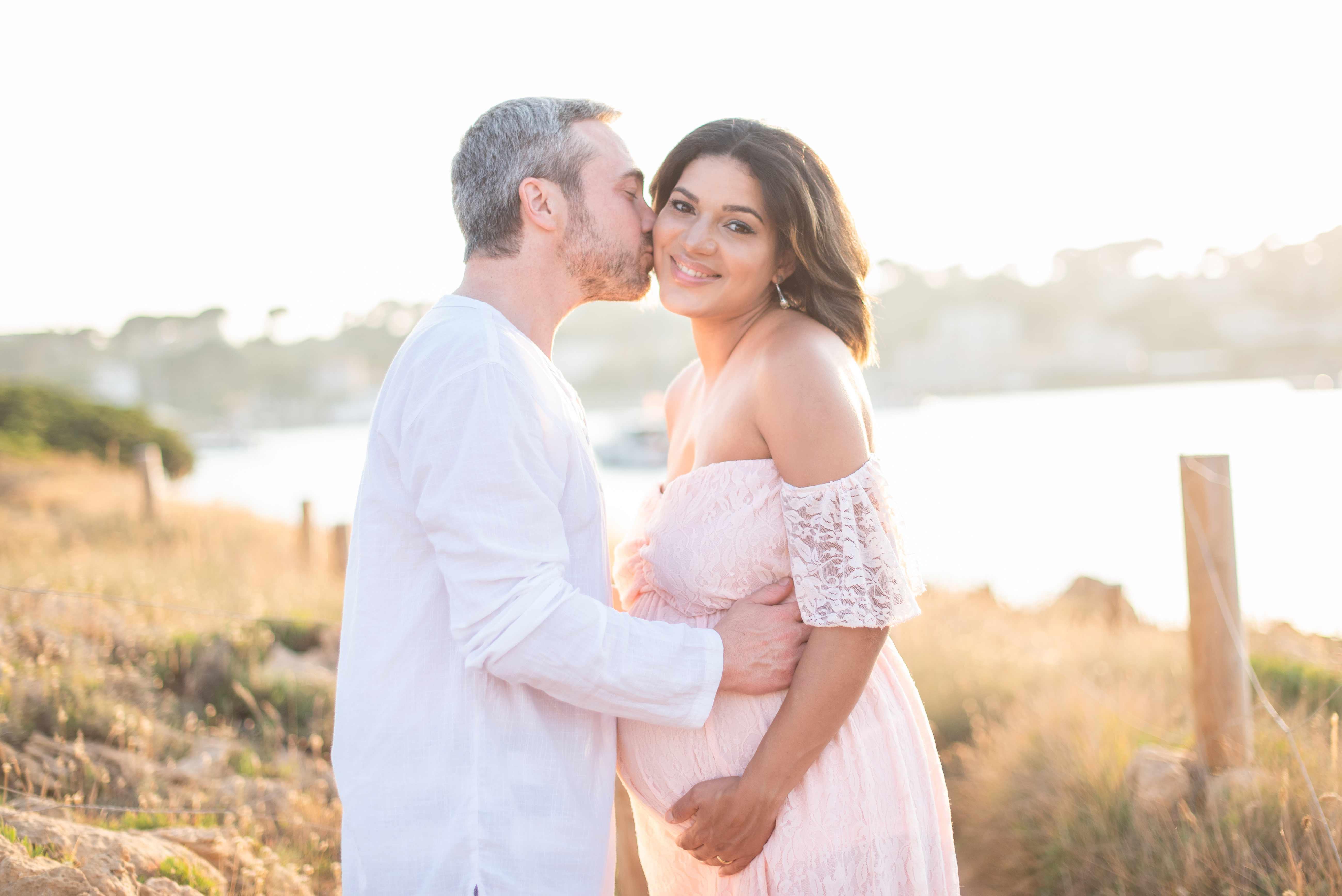Séance photo de grossesse avec futur papa