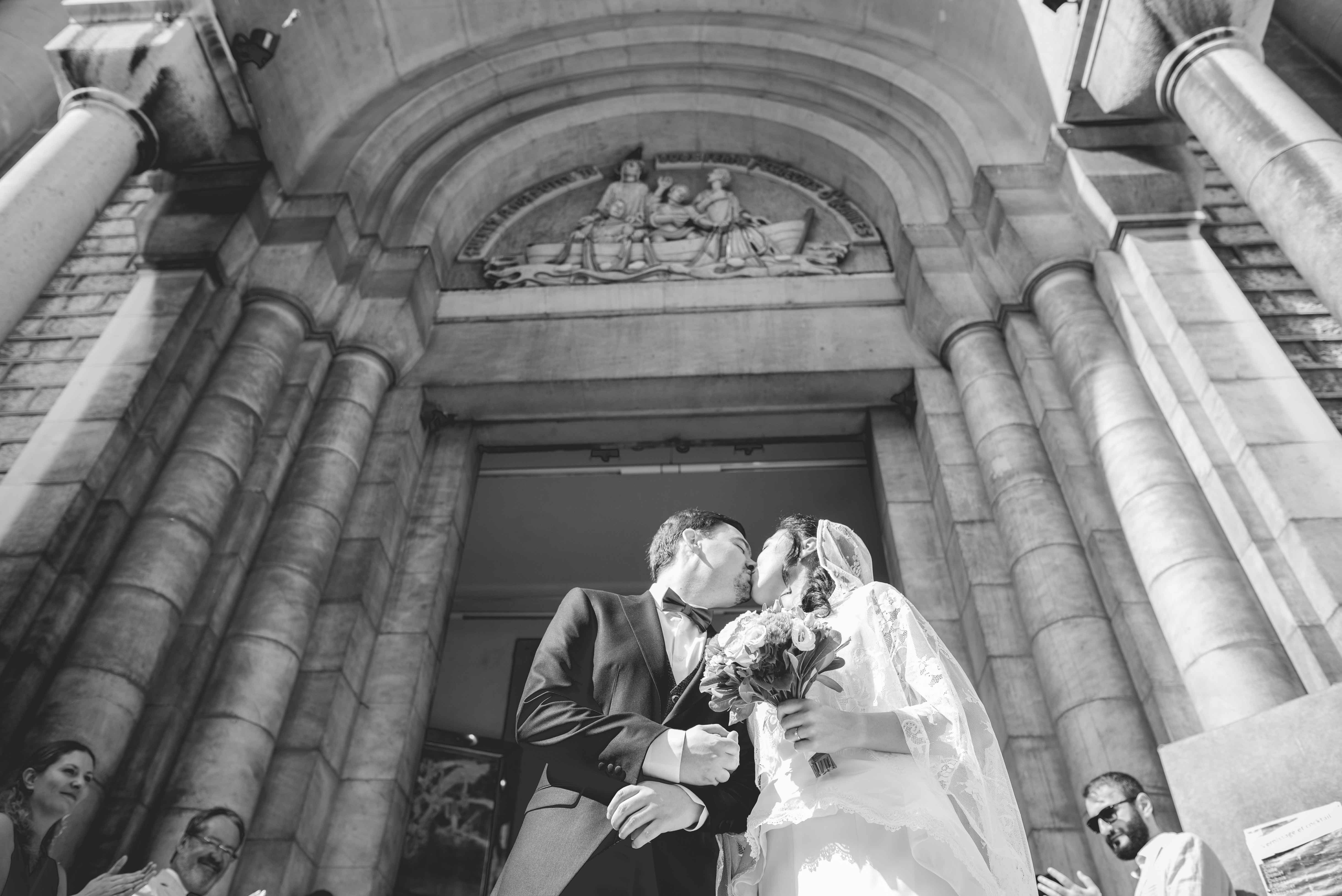 Reportage photo de mariage sortie de l'église Nice