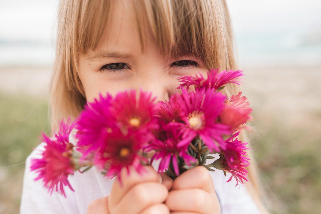 séance photo avec des fleurs